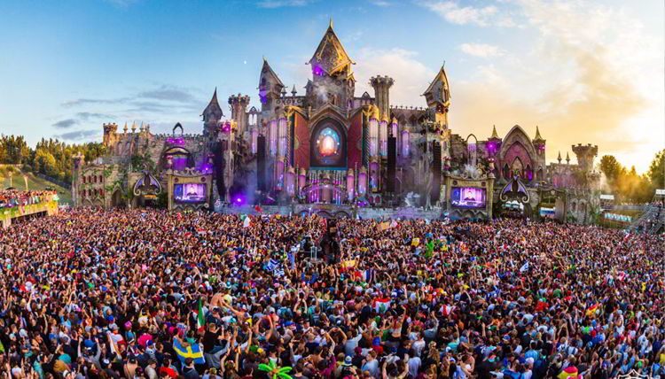 Tomorrowland Festivali