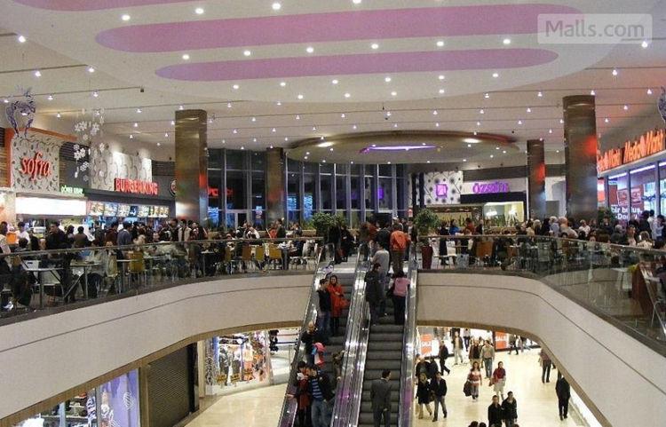 850dc22dad8e7 Kızılay AVM: Ankara Kızılay alışveriş merkezi moda ve giyim başta olmak  üzere teknoloji ürünleri de bulabileceğiniz büyük bir alışveriş merkezi  olarak ...